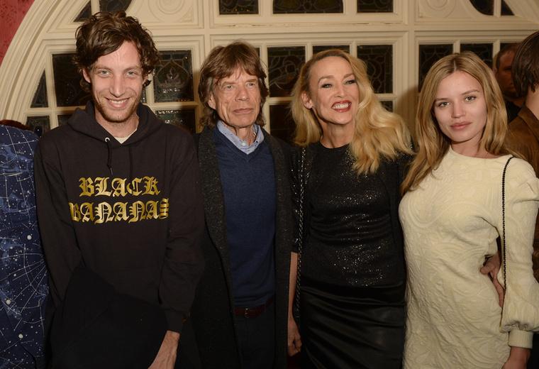 Ha azt mondjuk, hogy ő James Jagger, akkor már sejti? Vagy a kép alapján? Na, jó, egyértelmű, hogy Mick Jagger fiáról van szó.