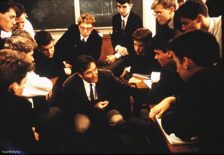 Holt költők társaságaNincs olyan, aki ne látta volna Robin Williams filmjét, a Holt költők társaságát, amit nem lehet végignézni szorongós zokogás nélkül