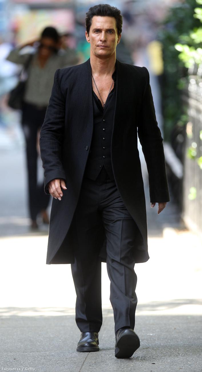 A Stephen King regény alapján készülő A sötét torony c.film 2017-ben kerül majd mozikba, McConaughey pedig Randall Flagget alakítja majd benne.