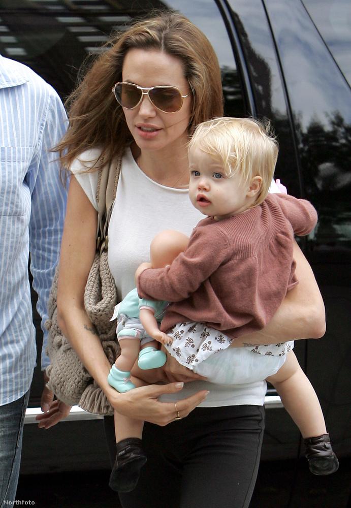 Még Pax örökbefogadása előtt, 2006-ban született meg Angelina Jolie és Brad Pitt első közös gyereke, Shiloh Nouvel Jolie Pitt.