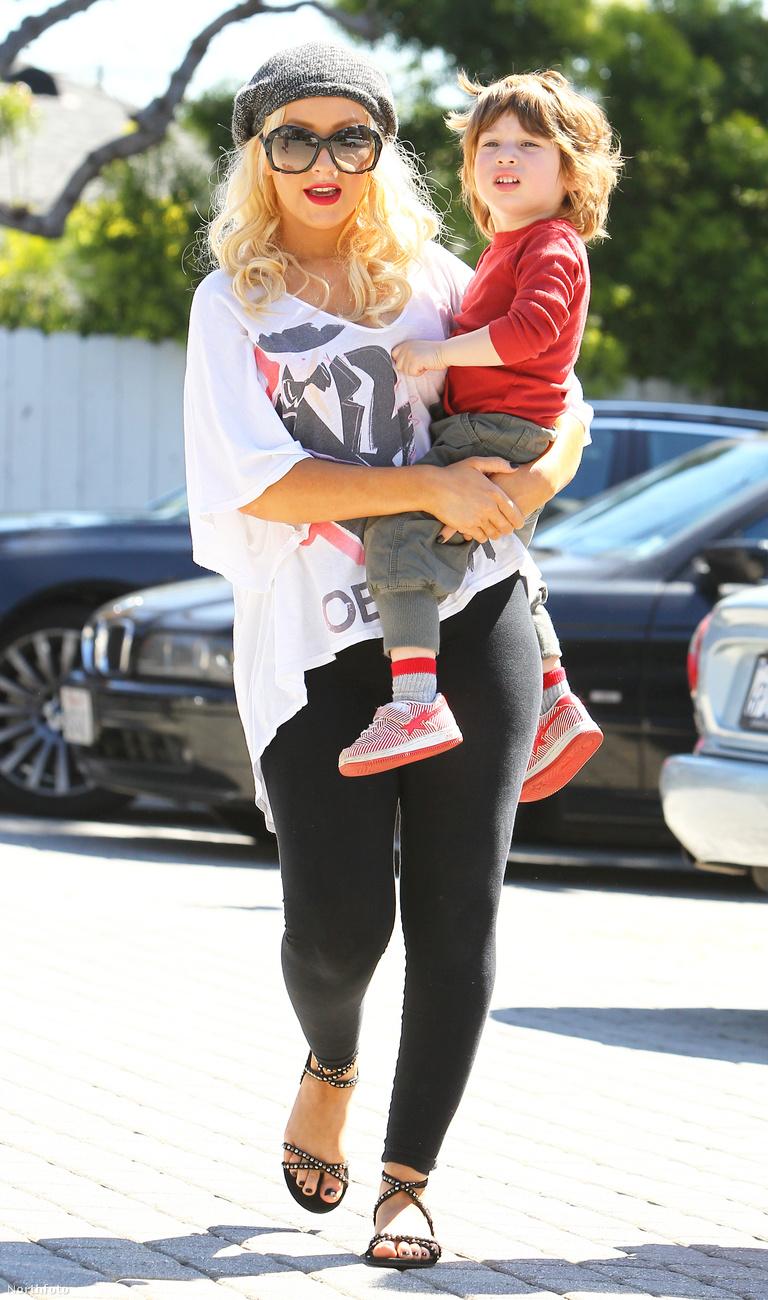 Christina Aguilera sem aprózta el, amikor 2008 februárjában megszületett fia, Max Liron Bratman.