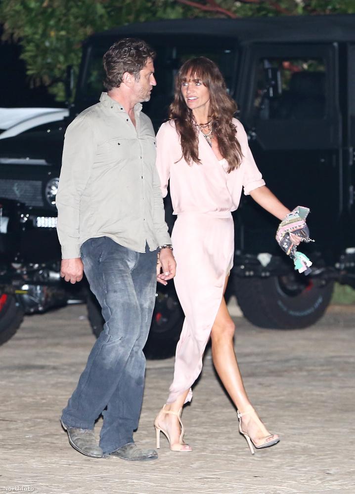 A vacsorán elvileg Pierce Brosnan, Jason Statham, Rosie Huntington-Whiteley és Jamie Foxx is részt vettek