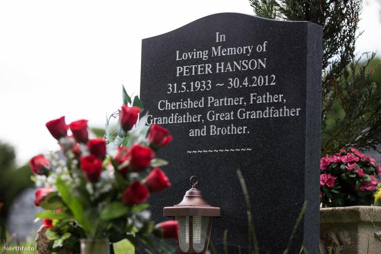 """A bíróság megítélte Spickenreuthernek, hogy ne aggódjon, ide fogják majd temetni, és Peter Hanson sírkövén is utolsó helyről előre került a """"szeretett partner"""" kifejezés, ami ugye utalás Spickenreutherre"""