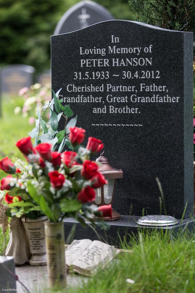 Spickenreuther erre bírósághoz fordult, azzal, hogy ellenzi a sírkő szövegét, és hogy de ő igenis ide akar majd temetkezni
