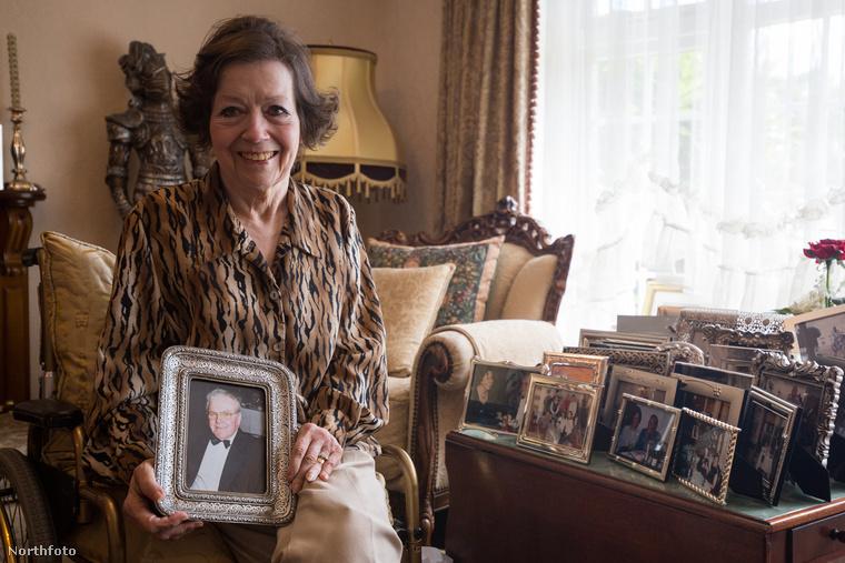 Így aztán Spickenreuther évekig tartó pereskedés után megnyugodhat – szerelme gyerekeinek nem sikerült őt kitúrni a családi sírból