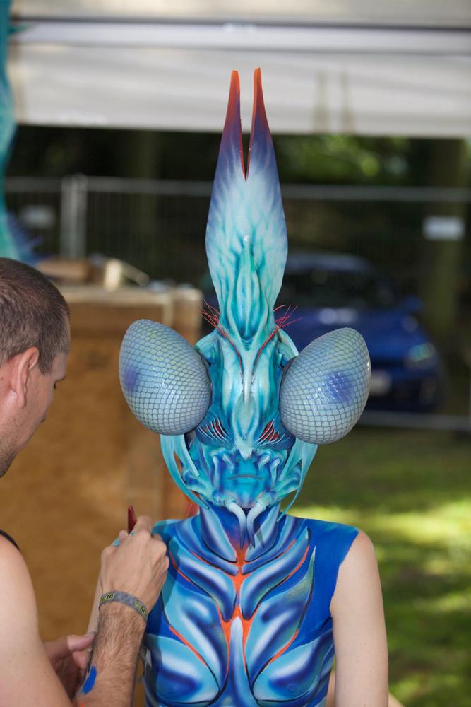 """Így készült a földönkívüli bogár kompozíció, amelyet """"Metamorfózis"""" témakörben indítottak a versenyen"""