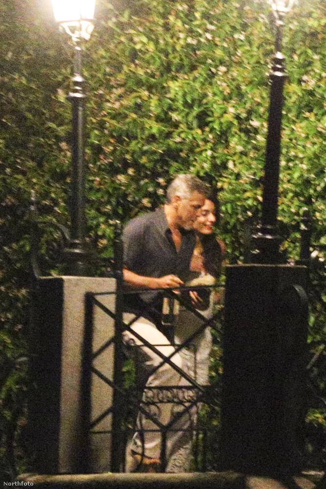 A színész és felesége július 4-e alkalmából adott Függetlenségi napi partit Como tavi házuknál.