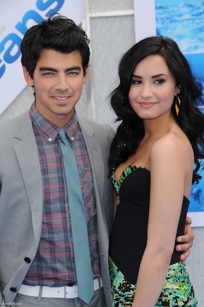 Joe Jonas és Demi Lovato 2007-ben találkozott a Rocktábor című film forgatásán