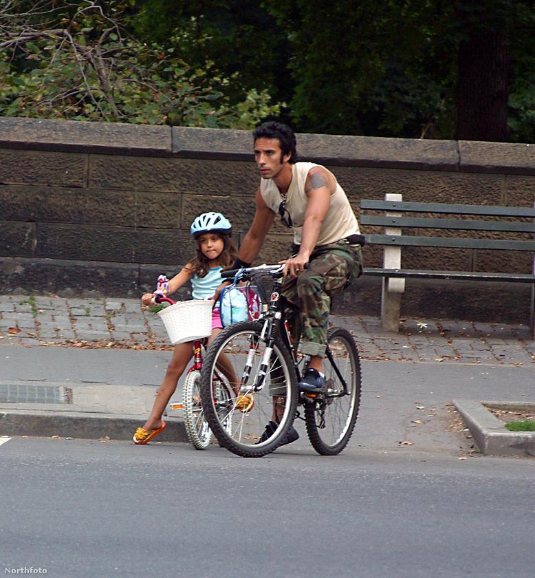 Madonna lányát az édesapja tanította biciklizni