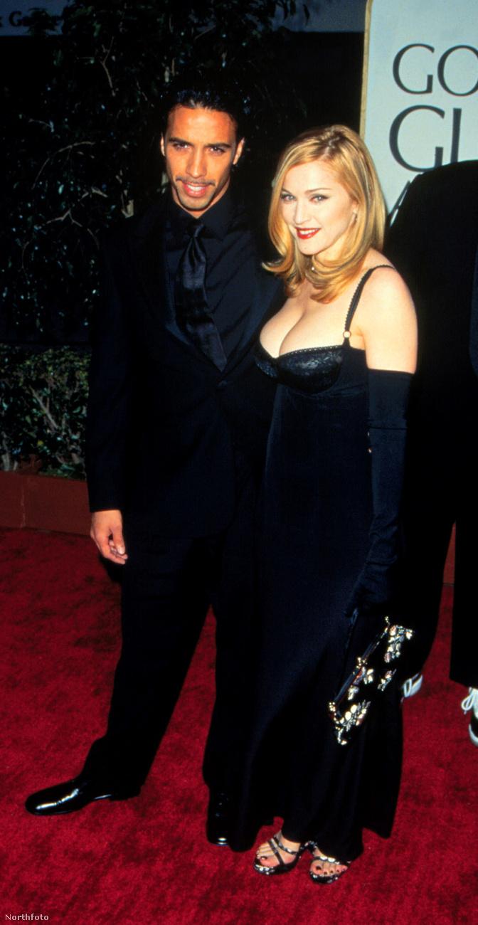 Madonna 1995-ben a nyilvánosság előtt is felvállalta kapcsolatát Carlos Leonnal, aki akkoriban a hírességek személyi edzőjeként volt ismert