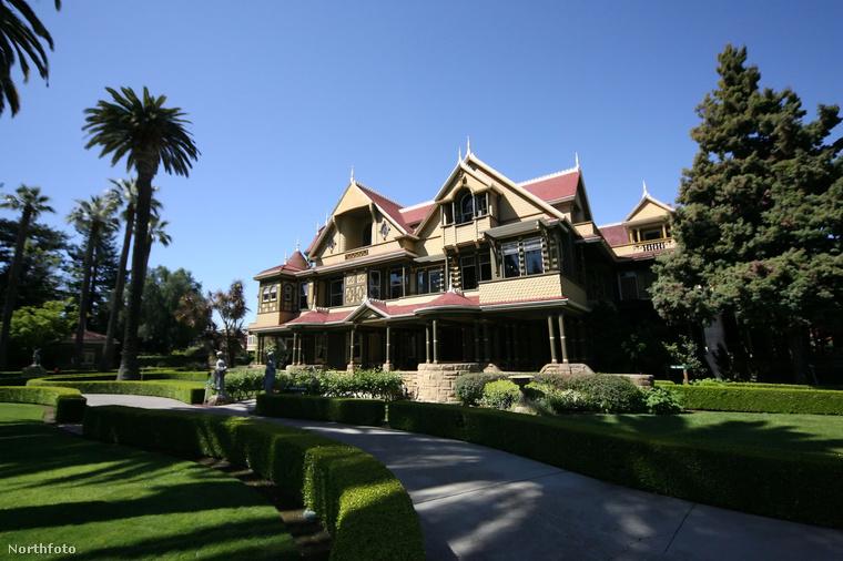 A Winchester Mystery House manapság már turistalátványosságnak számít