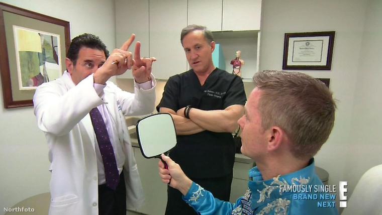 Az orvosok azonban tájékoztatták, hogy ez nem annyira jó ötlet.Sőt!Nagyon nem jó ötlet, mivel a popsztárnak sérült volt az orra, de annyira, hogy szinte az egész hiányzott.