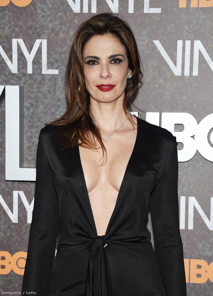 Az anyuka egy Luciana Gimenez nevű exmodell, akit Jaggernek még akkor sikerült teherbe ejtenie, mikor Hallal járt