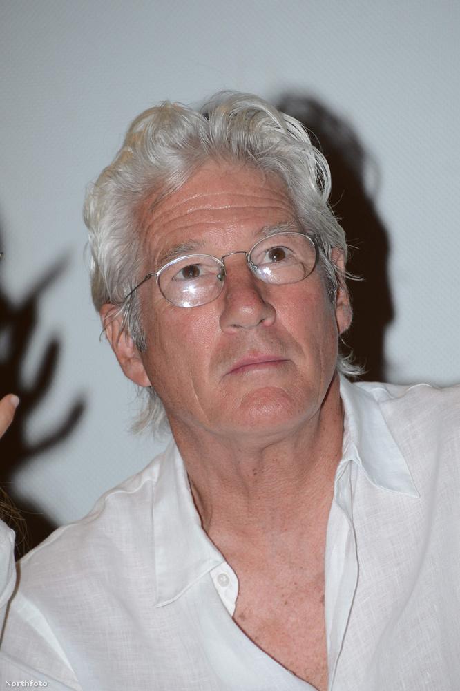 A 66 éves színész sosem próbálta tagani a korát, méltósággal viseli az öregedést