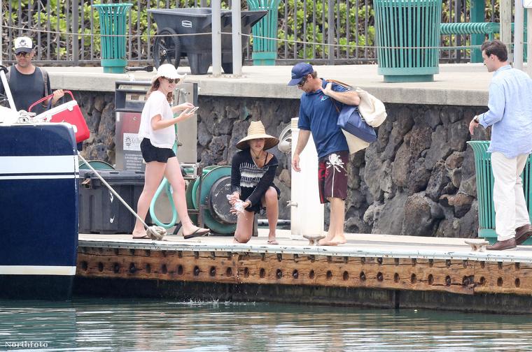 A slamposan is jó csaj Jessica Alba és férje, Cash Warren Hawaiit találta a legalkalmasabb helyszínnek ahhoz, hogy vizet nézzen közelről
