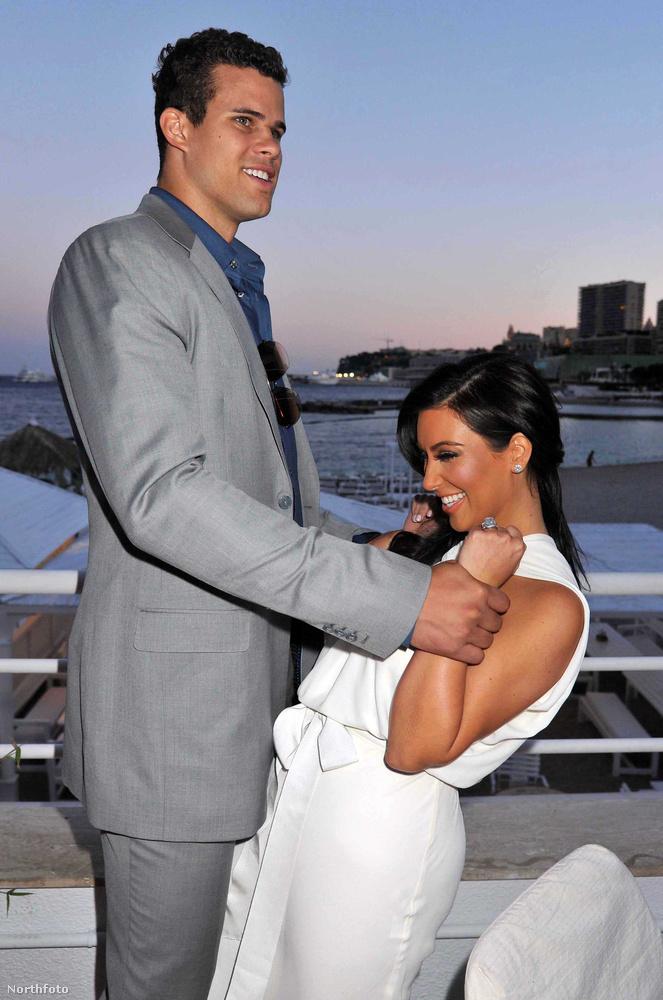 Kim Kardashian & Kris Humphries2011-ben kemény 72 napig tartott a házasságuk, 72 nap együttlét után be is adták a válókeresetet
