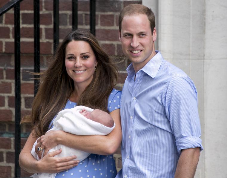 A szőke hajú, elképesztően cuki György herceg 2013