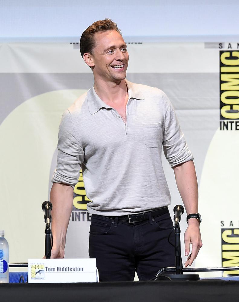 A legújabb pletykák szerint Tom Hiddleston nem véletlenül ment egyedül, új barátnője nélkül a San Diego-i Comic-Conra