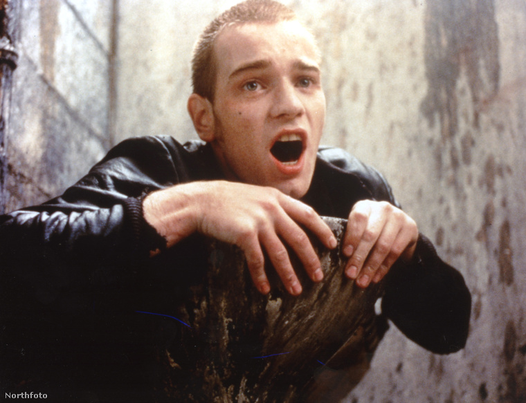 Na jó, Ewan McGregoron azért látszik, hogy mindössze 25 éves volt az első részben