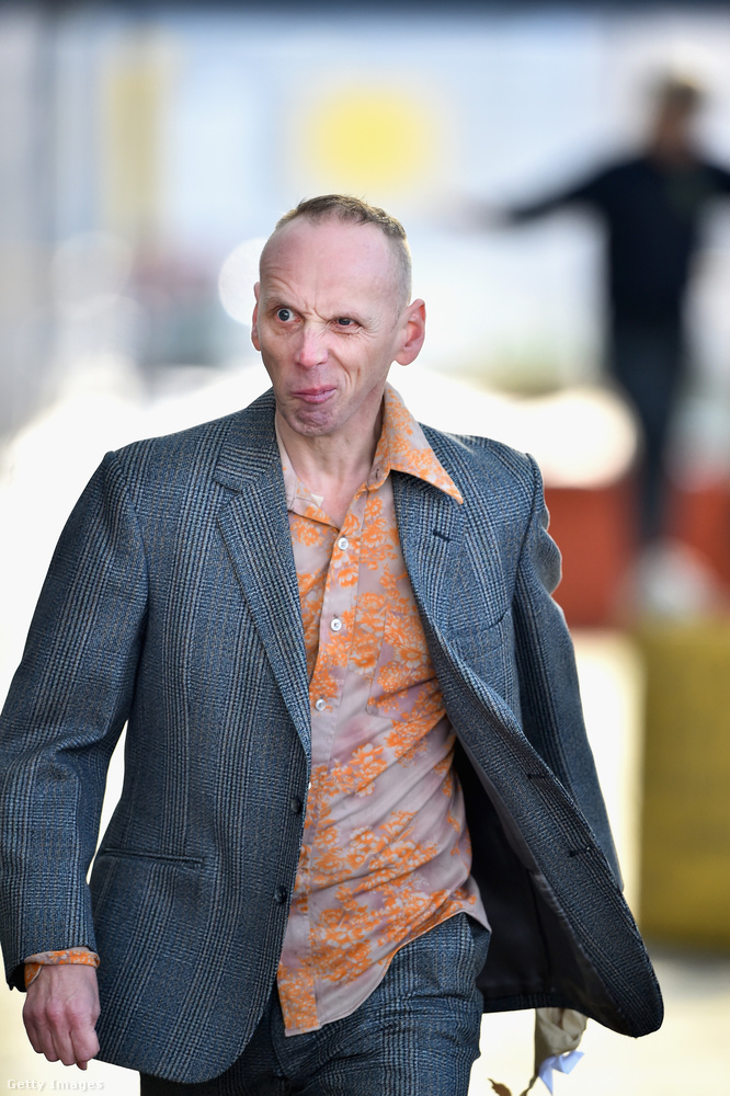 Spud (Ewan Bremner), a társaság talán legszerencsétlenebb tagja, ami nagy szó, hiszen egyikük sem sikeres, vagy éppen életképes