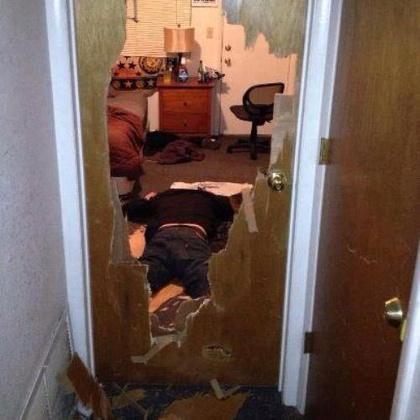 """""""Egy barátom részegen jött haza, és nehezen tudta kinyitni az ajtót."""""""