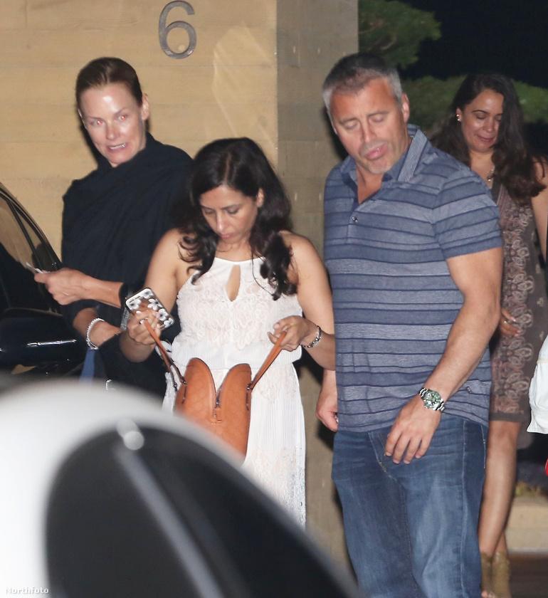A lényeg az, hogy Matt LeBlanc a családjával vacsorázott, ami azért érdekes, mert a színész eddig nem nagyon mutogatta őket.