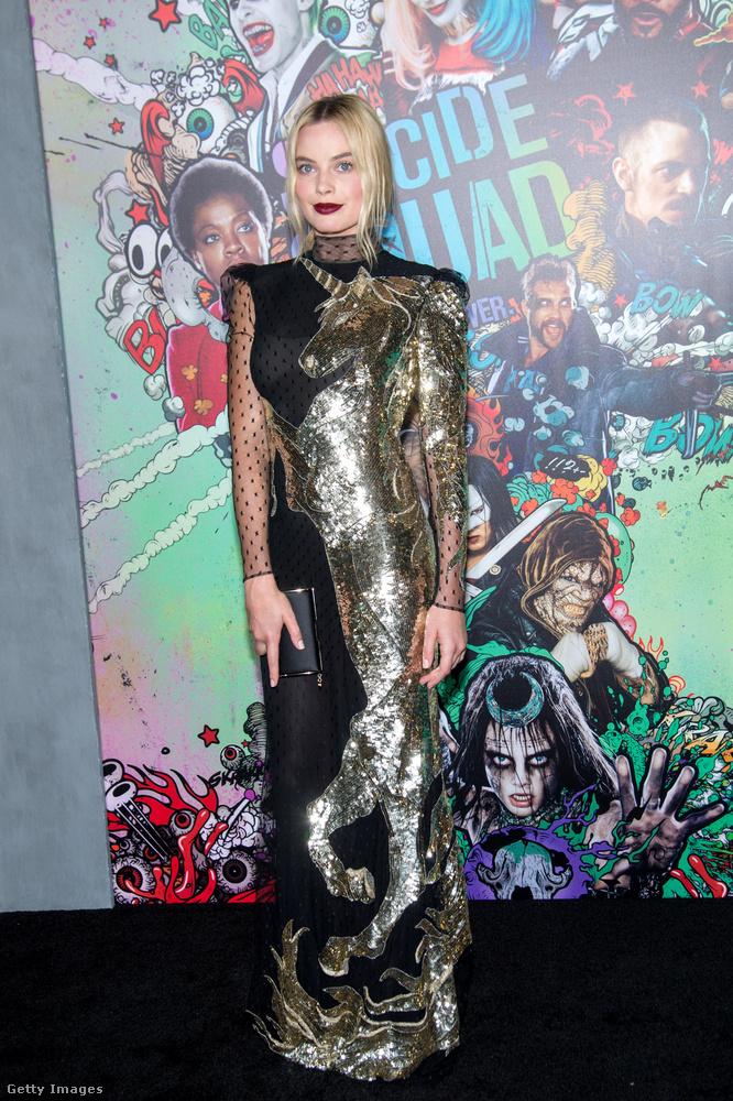 A film másik jónője Margot Robbie.