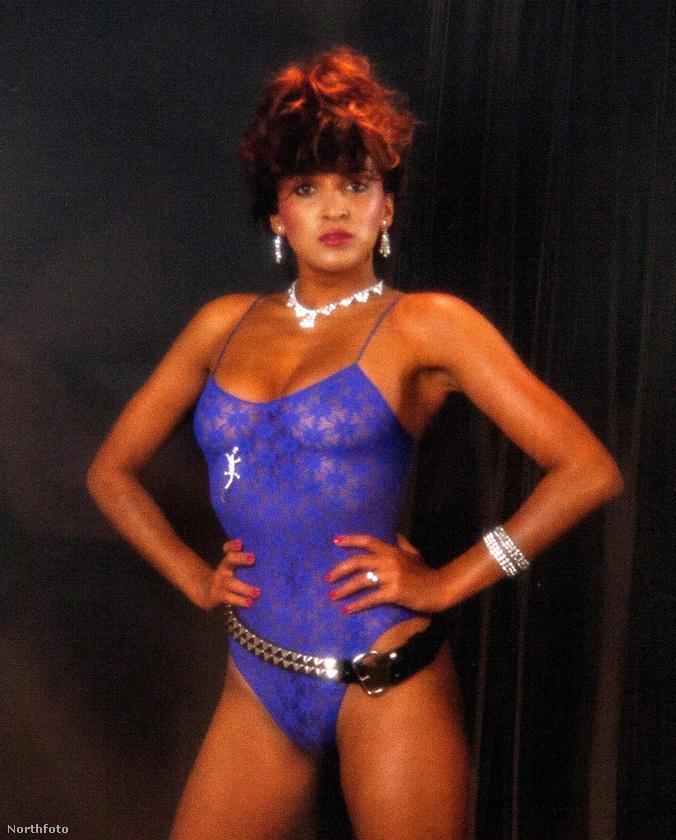 A modell Jackie St Clair, a mai napig ismert modellnek számít
