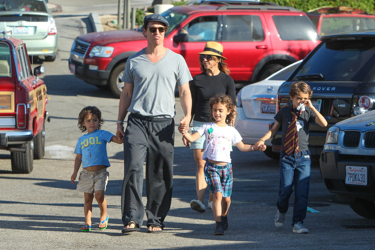 A legidősebb fiuk, Levi Alves McConaughey már 8 éves