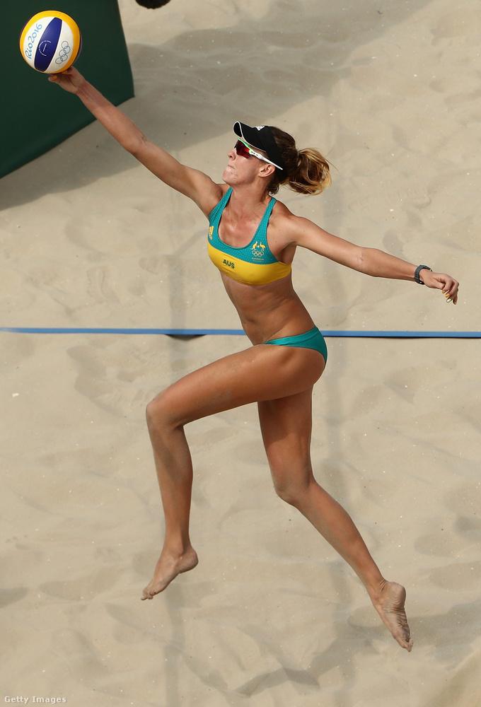 Még mindig Ausztrália, a képen Nicole Laird repül.