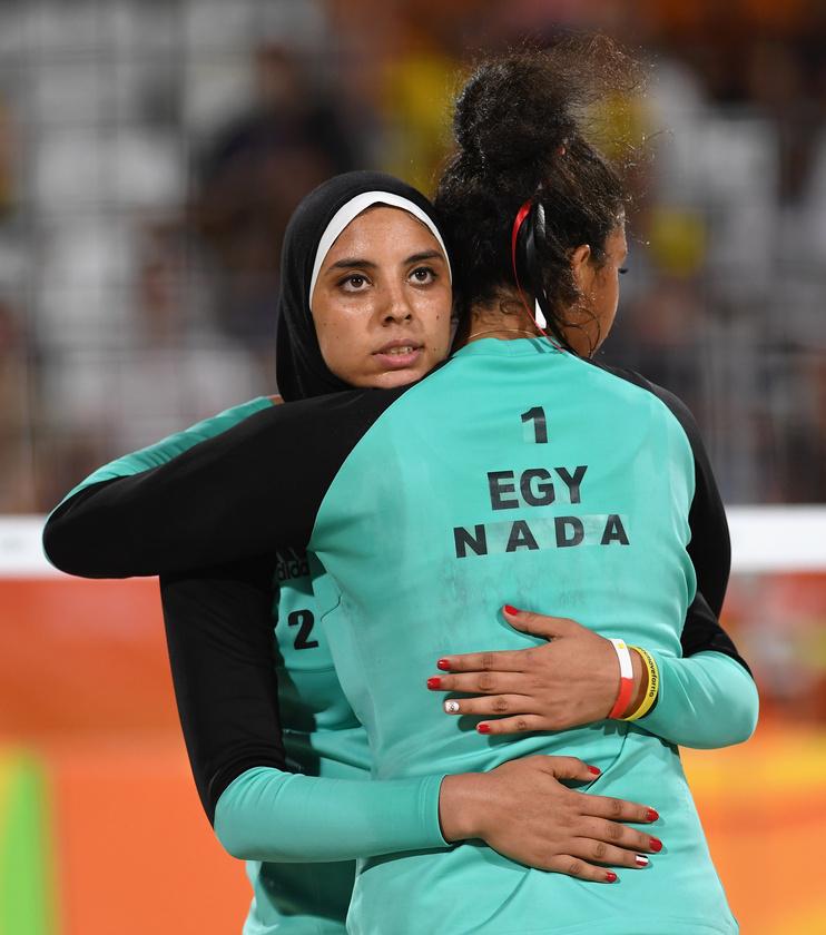 Ez a kép, amely az Egyiptom-Németország strandröplabdameccsen készült, hétfőn bejártaa világsajtót