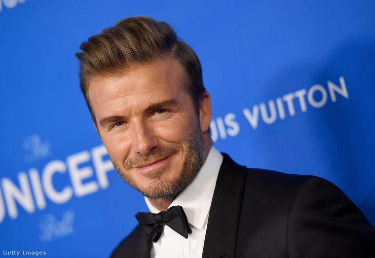 Inkább reménykedjen ön is, hogy pár évtized múlva Brooklyn Beckham is hasonlóan néz majd ki.Egészen nagy rá az esély.