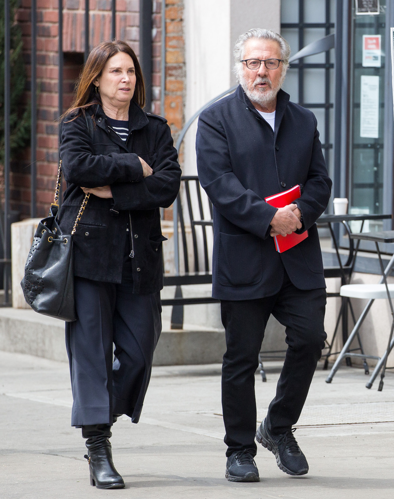 Áprilisban a feleségével, Lisa Jo Hoffmannal