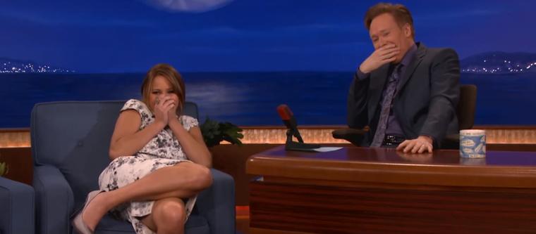 """Ezt mesélte Conan O'Brian műsorában, ezért volt ilyen szuperkellemetlen visszanézni a """"legendás"""" jelenetet."""