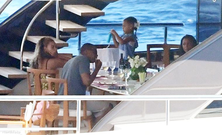 Ha szeretne mostanában összefutni Beyoncéval, utazzon Olaszországba, azon belül is Neranoba, az énekesnő ugyanis épp itt nyaral