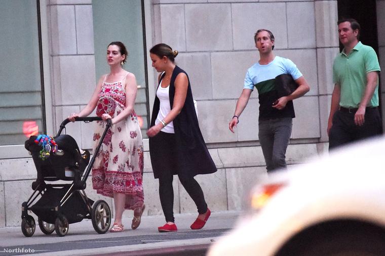 A 33 éves színésznőnek idén áprilisban született meg az első gyereke, de eddig nem nagyon mutogatta