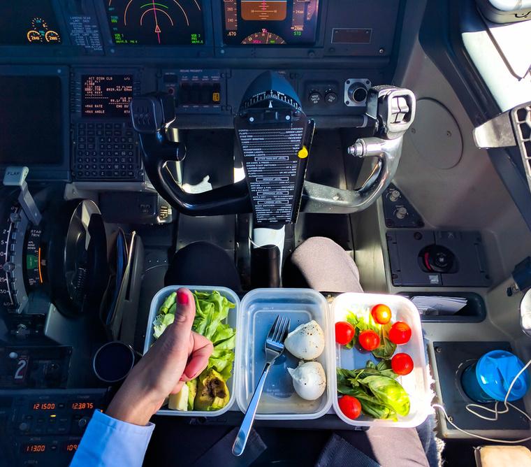 A Szicíliában élő pilótanő az egészséges életmód híve