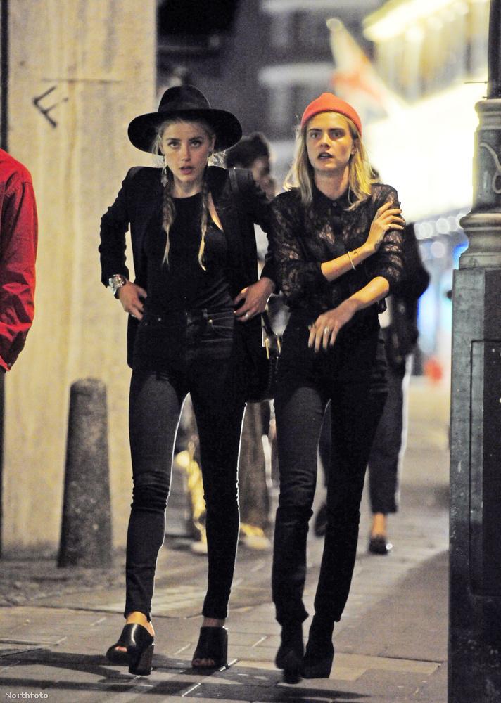 Ott volt a modell, Cara Delavingne és Margot Robbie is.