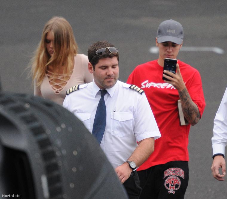 Justin Bieber a hétvégén Londonban járt, azon belül is a V Festivalon