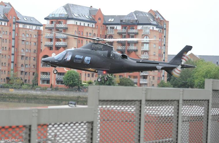 ...ezt a helikoptert