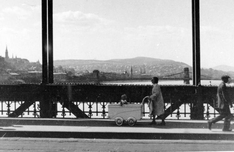 A Lánchíd és a Vár az Erzsébet hídról fényképezve 1938-ban.