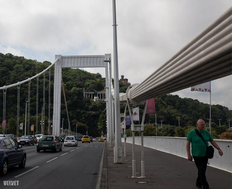 A híd a hatvanas években épült újjá.