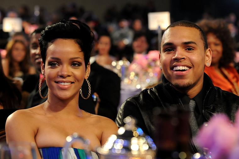 2009-ben Chris Brownnal járt, akiről később kiderült, hogy durván bántalmazta az énekesnőt