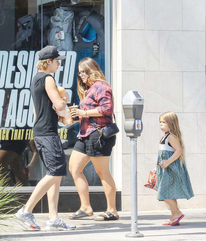 Hiába a sztár szülők, a kis Harper és a kamasz Brooklyn Beckham nem szálltak el maguktól.
