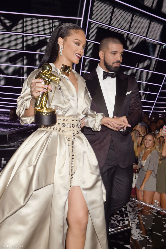 Szett 4.Plusz egy Drake