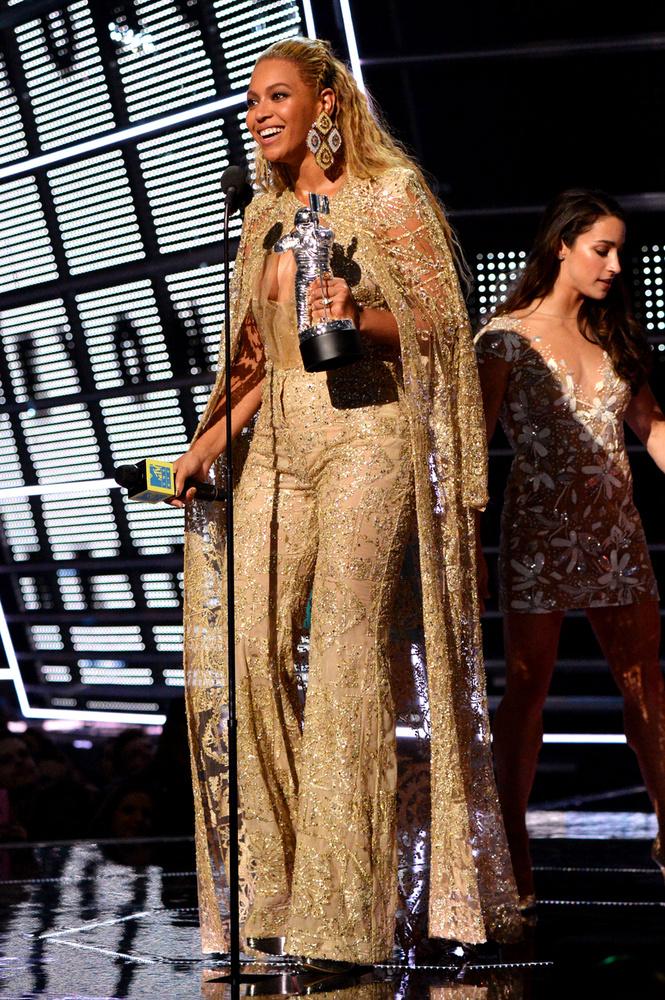 8 kategóriában is övé a díj idén: a legjobb videoklip és a háttérmunkák kategóriájának többségében is nyertes.