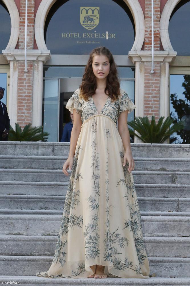 A magyar topmodellről egyébkbét most derült ki, hogy a Fordes listáján a legjobban kereső modellek közt szerepel, méghozzá a 17