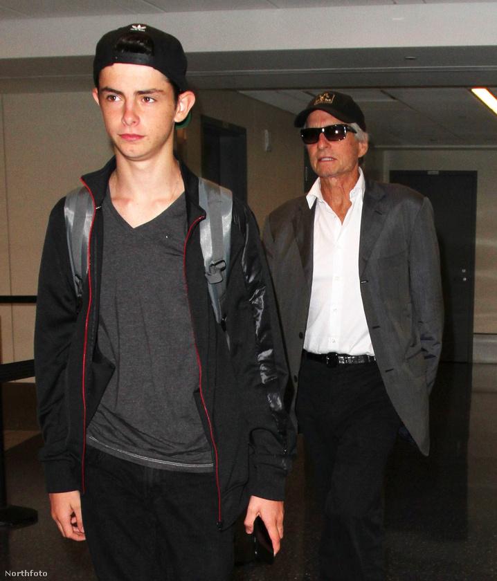 Dylan Michael Douglas már 16 éves