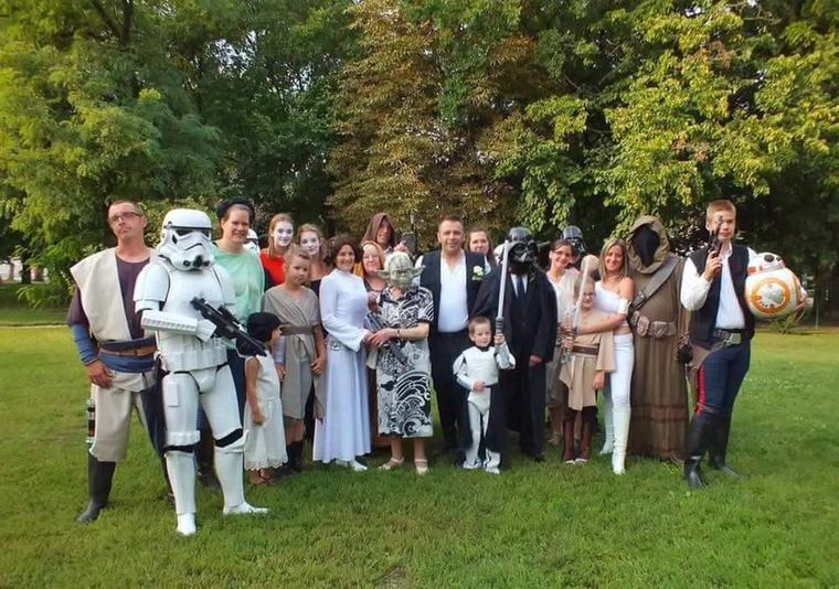 Még a 90 éves nagymamám is beöltözött Yoda mesternek – írta nekünk a menyasszony