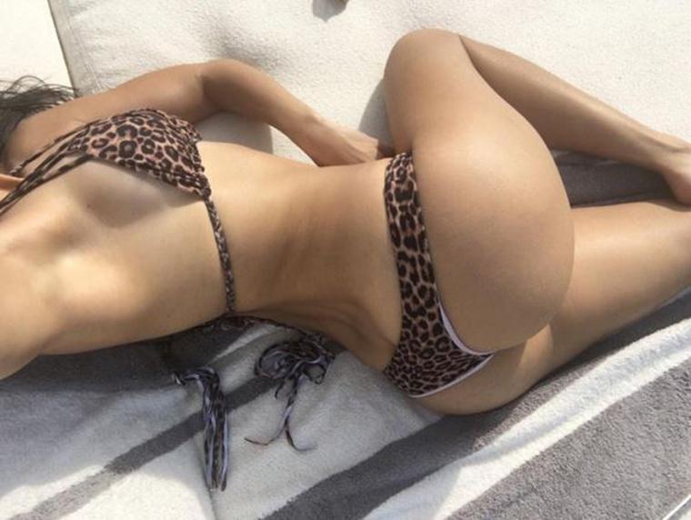 Kim Kardashian testvére, Kourtney Kardashian egy lenyűgöző leopárdmintás fürdőruhában próbálta meg kiengedni a gőzt